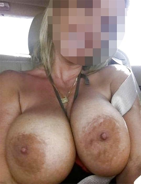 Femme cougar avec de gros seins pour un plan cul